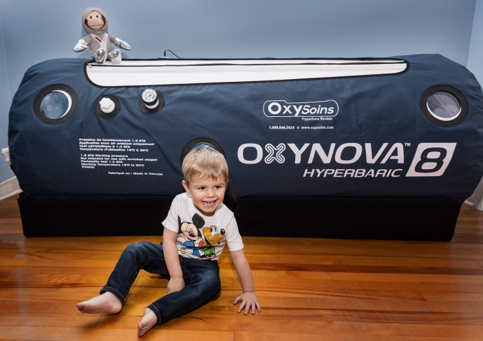 A hyperbaric chamber for little Félix, courtesy of the Canimex Group